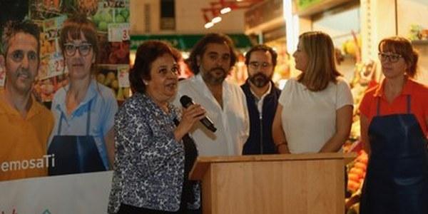 (01/06/2017) El Ayuntamiento cofinancia un proyecto digital de los placeros del mercado de Pino Montano que pretende incrementar las compras  atrayendo al público joven