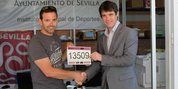 (02/06/2017) Más de 8.700 corredores toman la salida en la Carrera Popular del Parque de Miraflores, cuarta cita del circuito #Sevilla10 que roza los 38.000 inscritos