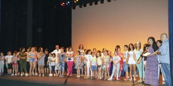 (06/06/2017) Más de 180 alumnos desde Educación Infantil hasta Bachillerato de Sevilla han participado en la 24 edición de la Muestra de Teatro Escolar, que se ha clausurado esta mañana