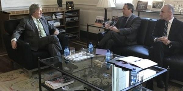 (16/03/2017) El alcalde de Sevilla acuerda con el ministro de Cultura la implicación del Gobierno central en el Año Murillo