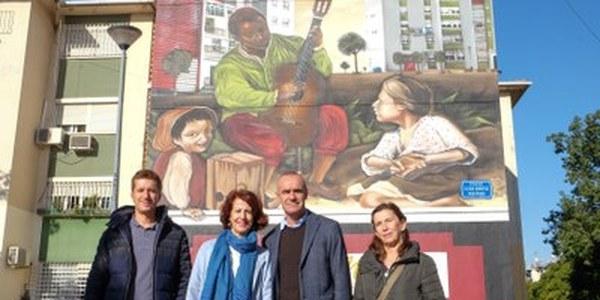 (02/01/2017) El Ayuntamiento inaugura un grafiti basado en Murillo en el Polígono Sur