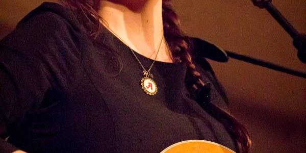 Concierto pop para niños de Alondra Bentley: 'Sings for children, It's Holidays'