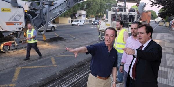 (03/07/2017) El Ayuntamiento inicia el proyecto de reasfaltado del Paseo Colón y el  Paseo de las Delicias en horario  nocturno
