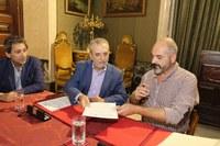 (06/07/2017) El Ayuntamiento firma un nuevo  convenio con la ONG Adhara  para reforzar el compromiso  municipal con la lucha contra el  VIH