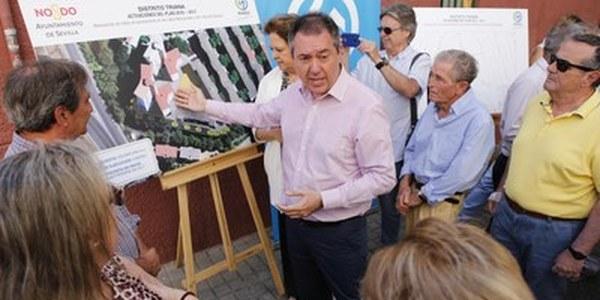 (07/06/2017) Emasesa acometerá a partir de  agosto la renovación de las redes  de saneamiento y la reurbanización  de las calles Manzanares y  San José de Calasanz, en la  barriada del Carmen de Triana,  con 450.000 euros de inversión