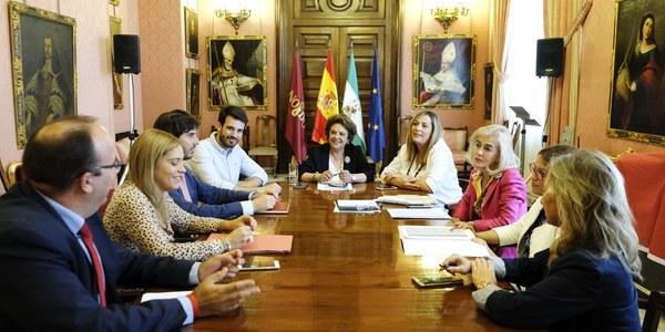 (10/10/2017) El Ayuntamiento lanza una línea de ayudas al emprendimiento y la creación empresarial con  200.000 euros de presupuesto y autónomos, mujeres y jóvenes como principales beneficiarios