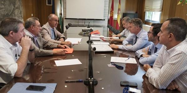 (12/9/2017)  Ayuntamiento y Autoridad Portuaria acuerdan la propuesta de modificación puntual del PGOU para la salida de CLH y la reordenación de la zona del Batán