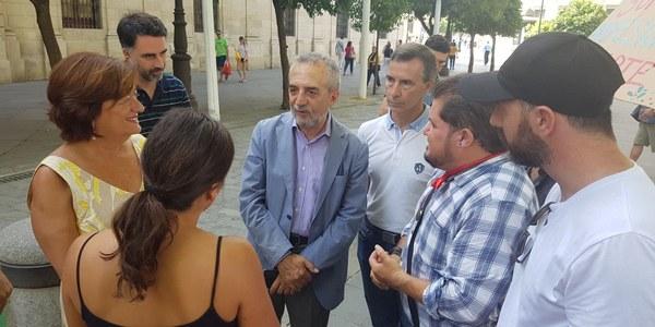 (14/07/2017) El Ayuntamiento y las asociaciones de artistas avanzan en la ordenación de actuaciones en la  vía pública