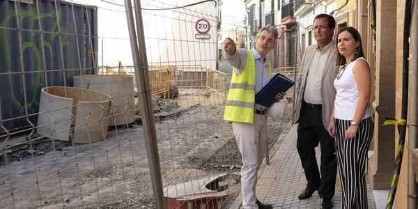 (14/08/2017) El Ayuntamiento destina más de 3,8 millones de euros a mejoras de calles y a proyectos de renovación de las redes de saneamiento y abastecimiento en el Distrito Casco Antiguo