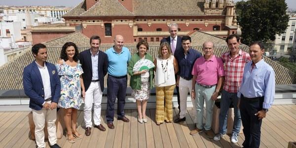 (18/07/2017) La Velá de Triana 2017 dedica  especial atención al deporte y  al flamenco, rinde homenaje a  Carlos Cano y se ha promocionado  dentro de la oferta turística  estival #SevillaSummerTime