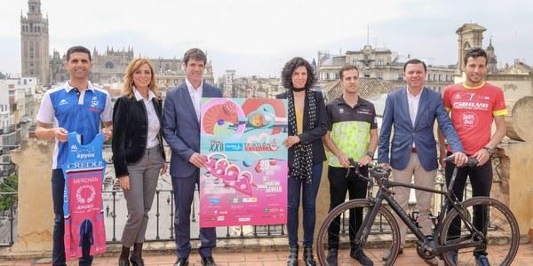 2.500 deportistas participan en el Sanitas Triatlón de Sevilla, que bate récord de inscritos en su distancia olímpica