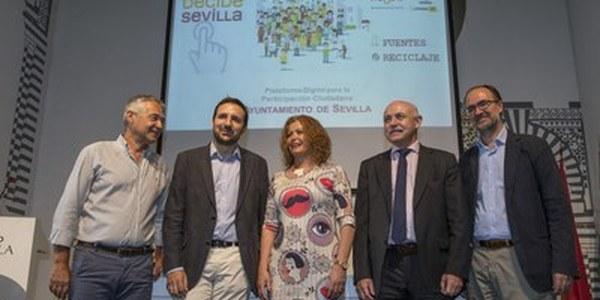 (20/06/2017) El Ayuntamiento pone en marcha la nueva plataforma de participación Decide Sevilla con una consulta sobre el diseño de las fuentes urbanas y una encuesta para mejorar la gestión de los residuos urbanos