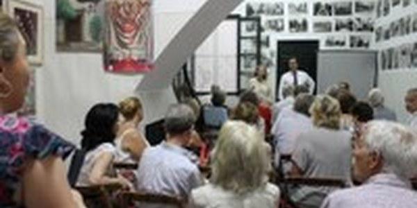 (21/06/2017) El Ayuntamiento presenta a los vecinos del Barrio de Santa Cruz su propuesta de reordenación de la calle Mateos Gago