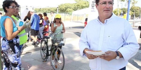 (25/09/2017) El Día Sin Coche llena Cartuja de actividades familiares y deportivas que se trasladan mañana a la calle Betis para concluir la Semana Europea  de la Movilidad en Sevilla