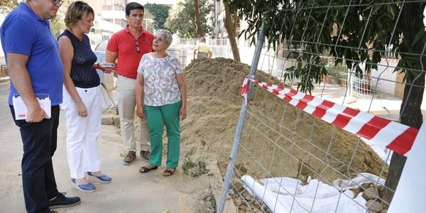 (26/7/2017) El Ayuntamiento realiza mejoras en zonas verdes de las calles Lionel Carvallo y José María Obando y en el Parque Federico García Lorca, en el Distrito Nervión