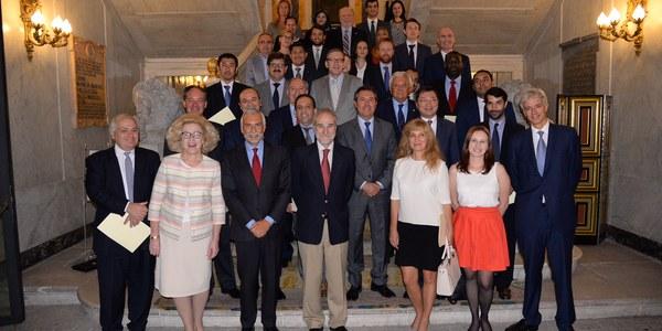 (27/09/2017) El alcalde reúne a embajadores y diplomáticos de 30 países para presentar el I Foro Global de Gobiernos Locales 'Destino Sevilla'