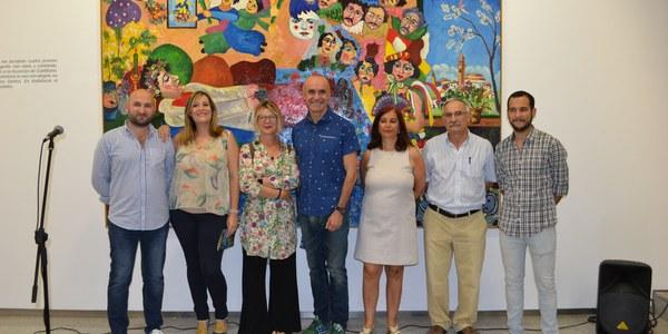 """(28/06/2017) Muñoz agradece a la familia de Ocaña """"las facilidades para traer su obra a la ciudad"""" y pone en valor la figura del artista"""