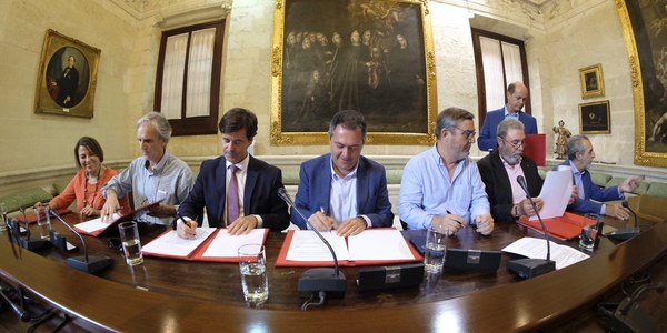(7/9/2017) Ayuntamiento, CES, UGT, CCOO, Faecta y Feansal firman el  primer acuerdo conjunto por la prevención de riesgos laborales y contra la siniestralidad en Sevilla