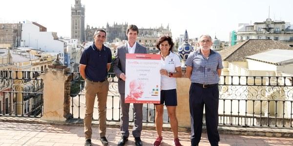 (7/9/2017)  Más de 1.200 participantes de toda España participarán en el Santander Triathlón Series Puerto de Sevilla junto a Mireia Belmonte, Miguel Induráin y Abel Antón