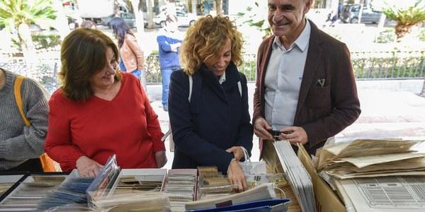 Arranca la 41ª edición de la Feria del Libro Antiguo y de Ocasión que reunirá a 24 librerías de toda España hasta el próximo 9 de diciembre en la Plaza Nueva