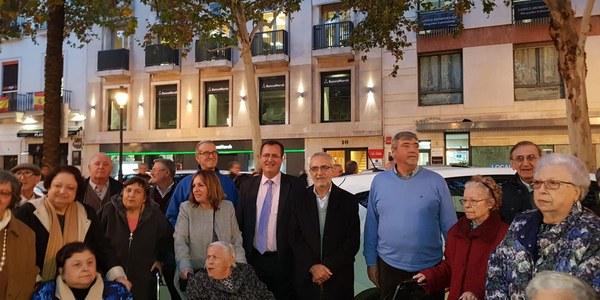 Asociaciones de taxistas celebran un 'Paseo de la Ilusión' con mayores y personas con diversidad funcional con el respaldo del Ayuntamiento