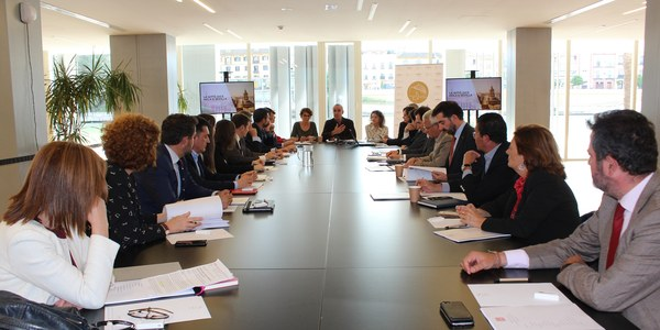 Ayuntamiento, Junta, Gobierno central y WTTC mantienen la primera reunión de trabajo con el sector para buscar la implicación del empresariado local, regional y nacional en la organización  y la agenda de la cumbre mundial