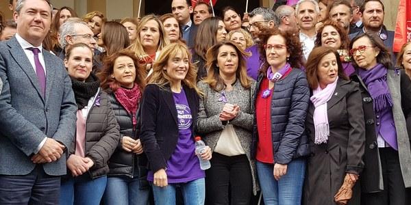 Cerca de 2.000 personas participan en las actividades programadas por el Ayuntamiento con motivo del Día Internacional de la Mujer, que esta mañana han tenido como epicentro Sevilla Este y Factoría Cultural