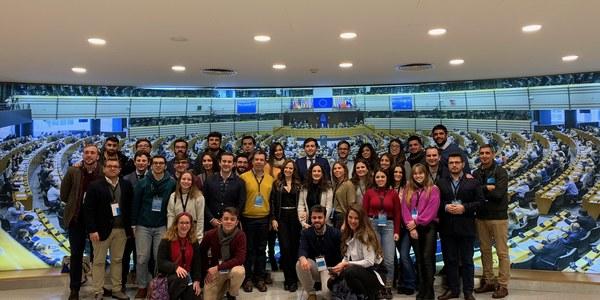 Cerca de 40 jóvenes visitan el Parlamento Europeo en el marco de la iniciativa 'Encuentro de Jóvenes y Participación Política' de la Fundación contra el Terrorismo y la Violencia Alberto Jiménez-Becerril