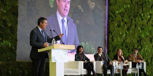 El alcalde de Sevilla anuncia en el I Foro Global de Gobiernos locales la creación de una red global de municipios