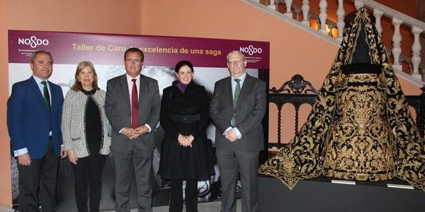El Ayuntamiento acoge la exposición 'El taller de Caro: la excelencia de una saga', en homenaje a este emblemático taller de bordados que ha cumplido cien años de historia
