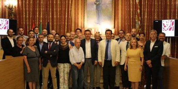 El Ayuntamiento acoge la presentación de la Asociación Gremial de Arte Sacro de Sevilla
