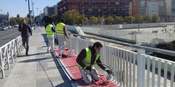 El Ayuntamiento acomete trabajos de conservación en el Puente del Cachorro