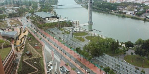El Ayuntamiento activa el plan especial de tráfico con regulaciones en los accesos al Casco histórico, más transporte público y un dispositivo especial en la zona de Torre Sevilla