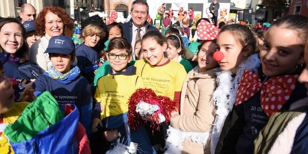 El Ayuntamiento celebra el Día Internacional de los Derechos de la Infancia y el Día de las Ciudades Educadoras con la presencia de más de 600 escolares de todos los Distritos de la ciudad