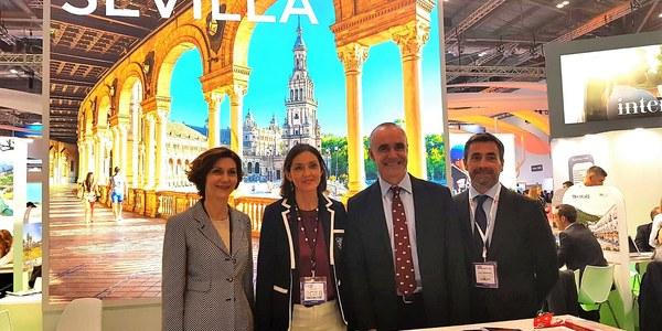 El Ayuntamiento centra su agenda de la World Travel Market de Londres en potenciar el turismo de cruceros y premium, reforzar los enlaces aéreos y promocionar la cumbre mundial de la WTTC