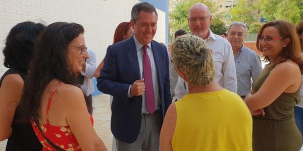 El Ayuntamiento concluye la reforma integral del CEIP Pedro Garfias en La Macarena y aprueba  mejoras en otros diez colegios por un importe de 1,4 millones de euros