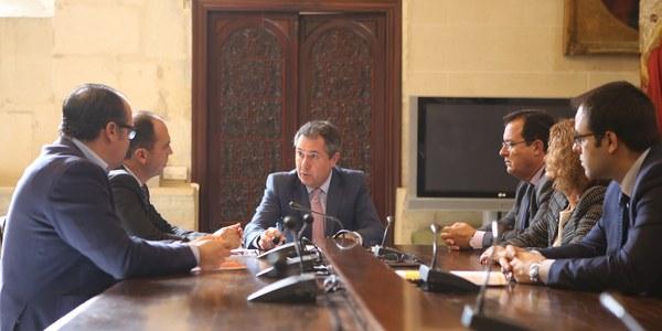 El Ayuntamiento contrata un estudio para culminar el proyecto de BTR que llegará desde Sevilla Este a Nervión con conexiones con Metro, Metrocentro, Cercanías y las principales líneas de Tussam