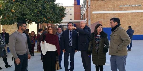 El Ayuntamiento culmina  en el CEIP Fernán Caballero del Distrito Sur el mayor proyecto  de reforma integral de un  colegio de este año con un  presupuesto de 650.000 euros