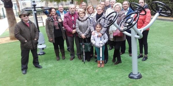 El Ayuntamiento culmina la instalación de un área con aparatos biosaludables en el Parque Puerto de las Palomas, en el barrio de Rochelambert