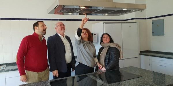 El Ayuntamiento culmina la nueva aula de cocina del Centro Cívico Blas Infante, en Sevilla Este, orientada a formación y actividades socioculturales