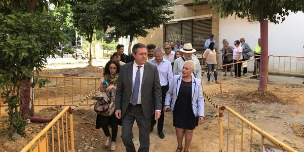 El Ayuntamiento culmina la primera parte del proyecto de reurbanización de San Carlos y prevé completar la actuación este verano tras una inversión de 1,4 millones de euros