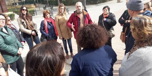 El Ayuntamiento culmina la renovación integral de la Plaza Poeta Miguel Hernández, en Parque Estoril, con zonas de  juegos infantiles y aparatos biosaludables para mayores