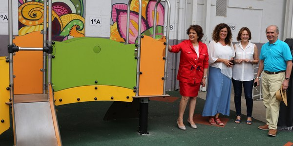 El Ayuntamiento culmina las obras de la nueva zona de juegos infantiles del CEIP José María del Campo acogidas a plan  Mejora Tu Barrio de Triana