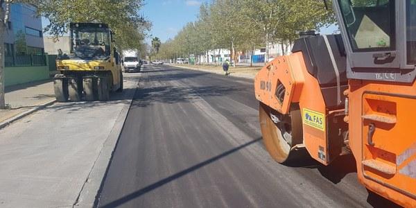 El Ayuntamiento culmina las obras de renovación de la calzada de la Avenida de Parsi, en el Parque Empresarial Parsi, con un presupuesto de 71.080 euros