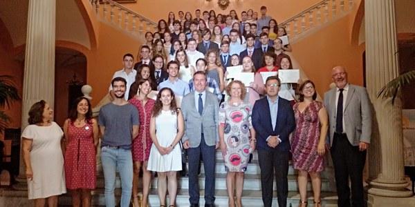 El Ayuntamiento de Sevilla distingue la trayectoria académica y personal de 57 estudiantes de cuarto curso de la ESO