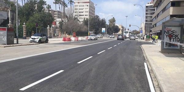 El Ayuntamiento de Sevilla reabre al tráfico la calle Santa Fe tras las obras del microtúnel  para el colector de Niebla y garantiza así la fluidez para los preparativos de la Feria de Abril