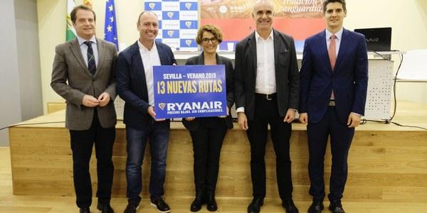 El Ayuntamiento destaca la apuesta de Ryanair por Sevilla con 13 nuevas rutas aéreas y el impulso a la industria auxiliar aeronáutica con su hangar, que conlleva 8 millones de inversión y 150 empleos de alta cualificación