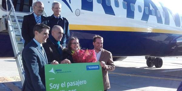 El Ayuntamiento destaca la estrecha colaboración con el aeropuerto de San Pablo para ampliar la conectividad aérea y mejorar los servicios públicos