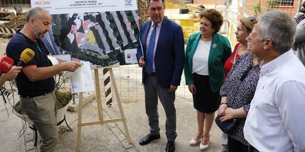 El Ayuntamiento destina 2,8 millones de euros a inversiones en Triana y lleva a cabo obras de mejoras y reurbanización integral en la barriada de El Carmen con un presupuesto de 460.000 euros