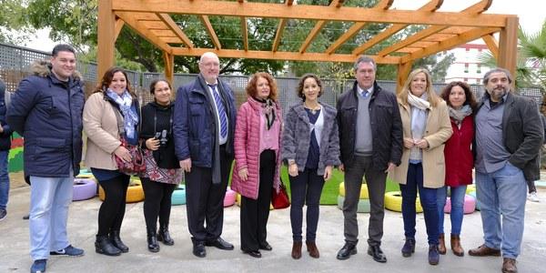 El Ayuntamiento ejecuta 1,4 millones de euros en proyectos de sombra, eficiencia energética y climatización de colegios y proyecta un plan de más de 13 millones de euros para 2019
